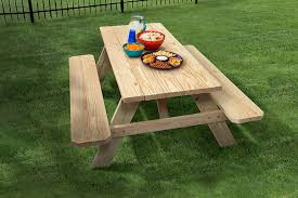 how big is a standard size picnic table