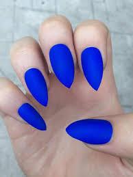 Frosted Blue Manicure Design Nehtů