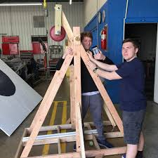 A Team Of Engineering Students Is Designing A Catapult Engineering Students Take First Place In The Trebuchet Egg