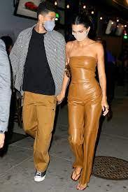 Kendall Jenner, Devin Booker Hold Hands ...