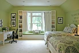 Green Bedroom Walls Decorating Ideas