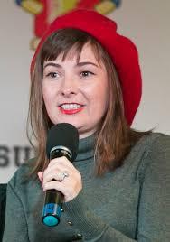 Cassandra Lee Morris - Wikipedia
