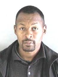 Derrick Fields Seen Carrying a Woman's Purse Arrested for Alleged Auto  Burglary | Fugitive Watch