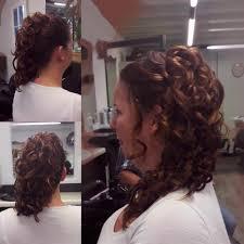 Wat Is Er Zo Trendy Aan Haar Opsteken Kapsels Halflang Haar