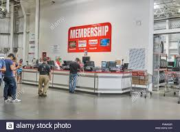 Toronto Canada August 15 2018 Line Of A People At Customer
