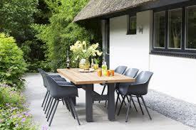 sophie studio chair yasmani table
