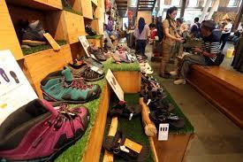 Eiger merupakan merek dari berbagai macam peralatan berkegiatan di luar ruangan. Eiger Target Pertumbuhan 20 Bisnis Com