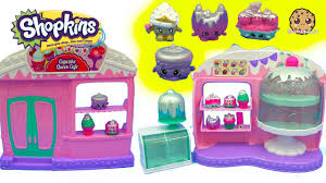 Season 5 Frosted Cupcake Queen Cafe Playset With 8 Exclusive