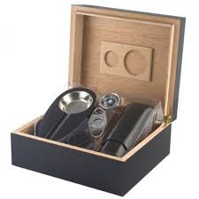 25 50 cigar black humidor gift set 21 8130bl 01