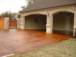 beautiful stained concrete driveway