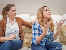 Adoleshentët i nervozojnë çdo ditë prindërit me këto 15 veprime