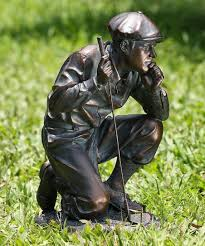 napco kneeling golfer statue best