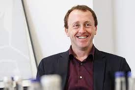 Alan Higham quits Fidelity Worldwide Investment - Retirement Planner