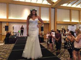 maui wedding association home facebook Wedding Expo Maui image may contain 5 people, people smiling, people standing, wedding and indoor wedding expo maine