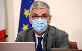 Brusaferro frena: «Tamponi per 72 ore? La variante Delta è più veloce. E in  classe restano le mascherine, anche se tutti vaccinati» - Open