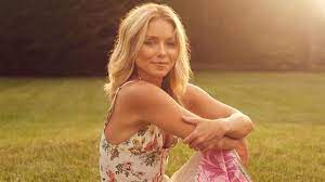 Kelly Ripa will write her first-ever ...