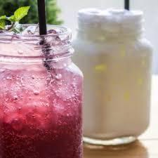 kefir drink. milk kefir vs. water drink