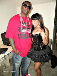 Gucci mane girl kissing girls