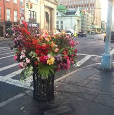 meet the florist bandit who s been stealthily beautifying new york s public es vogue