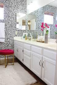 Black And White Bathroom Makeover - Bathroom makeover