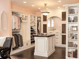 Walk in closet Mirror Make Your Closet Look Like Chic Boutique Hgtvcom Make Your Closet Look Like Chic Boutique Hgtv
