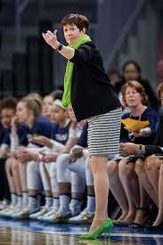 women coaches win les in heels