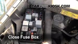 blown fuse check 1997 2005 pontiac montana 2004 pontiac montana 6 replace cover secure the cover and test component