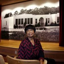 Edna Hendrix - The Virginian-Pilot