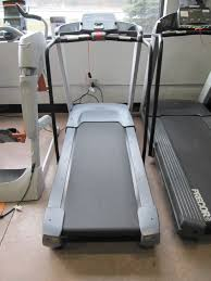 used precor 9 33i treadmill 2 200 00 16 preset programs including 1 mile 5k 10k courses 1 heart rate 2 custom 1 manual 3 run 3 walk 1 weight loss