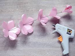 Rose Paper Flower Making How To Make Paper Roses How Tos Diy