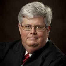 From Appellate Lawyer to Trial Judge | Judge Dustin Howell | Texas  Appellate Law Podcast on Acast