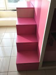 Cameretta battistella bianca rosa ed effetto legno letti a