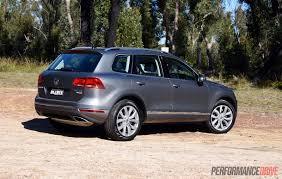 2015 Volkswagen Touareg V6 TDI-rear |