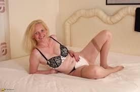 Mature.eu Blonde British Housewife Feeling Frisky 182070.