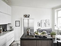 Kleine Keuken Inrichten Met Eettafel Kleine Woonkamer Met Open Keuken