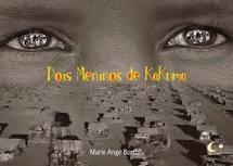 """Capa do livro """"Dois meninos de Kakuma"""". Uma foto em preto e branco destaca os olhos de uma criança"""