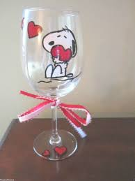 hand painted wine glass snoopy with hearts 12 oz