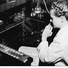 Phyllis Johnson (here pictured at microscope in the 1950s) gained her... |  Download Scientific Diagram