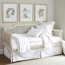 a trundle bed look like a couch