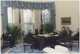 oval office desks. George H.W. Bush And Some Fresh-faced Cabinet Members. (Photo: Susan Biddle/Public Domain) Oval Office Desks E