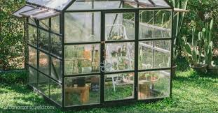 choose the right small greenhouse kits