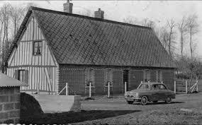 bourville bourville maison familiale du chanteur local bourvil vieille voiture 1953