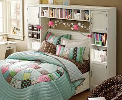 Queen Bed In Small Bedroom How To Decorate A Small Bedroom With Queen Bed Large Cork Wirft
