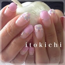 ドット柄ネイルで春ネイル福岡市中央区のネイル爪のお手入れサロン