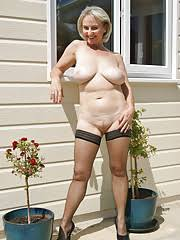 Naked Mature Women Outdoors Quality Porn
