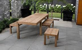 Advantages and disadvantages of using wooden outdoor furniture