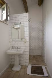 31 Simple Bathroom Designs for low budget Decoration