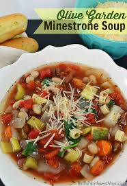 this copycat olive garden minestrone soup in the slow cooker is the perfect comfort food for
