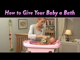 how to give your baby a bath cloudmom