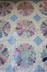 Best 25+ Vintage quilts patterns ideas on Pinterest | Vintage ... & Vintage Dresden Plate - like the snowballed corners making up the blue  squares. Find this Pin and more on Happy Quilts! ... Adamdwight.com